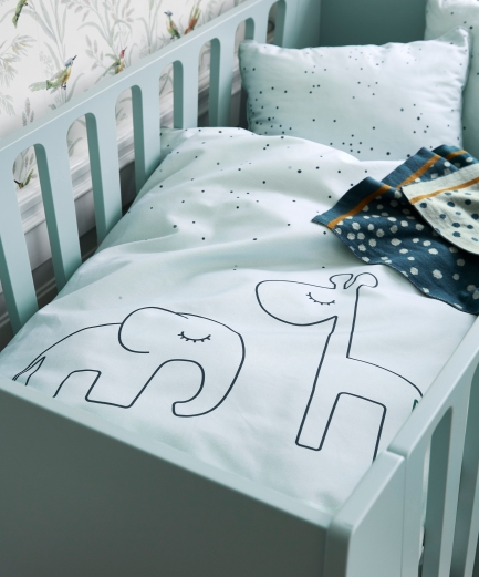 DreamyDotsBedding_blue_PR
